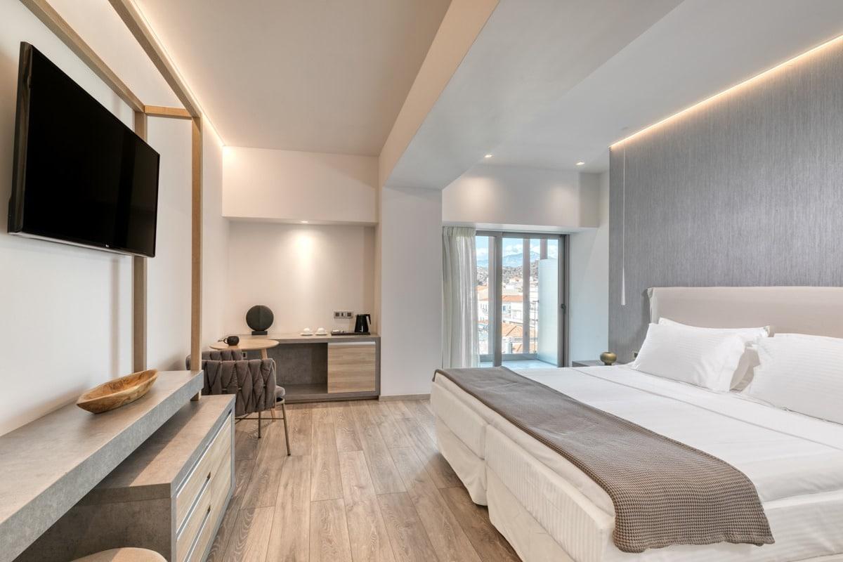082_3500_las_hotel_20191126-27_pe